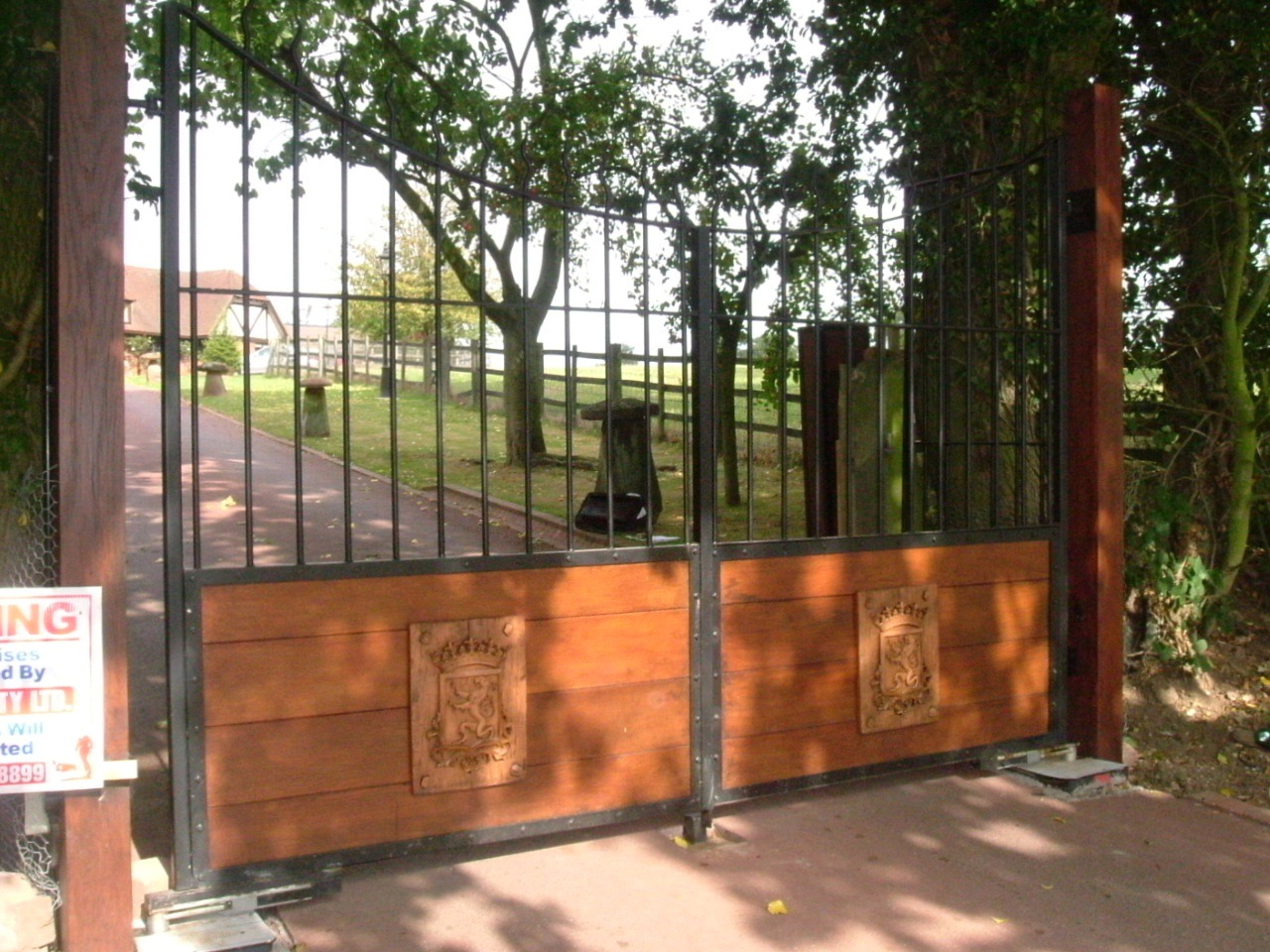 gate automation,wooden gates, gates with wood,